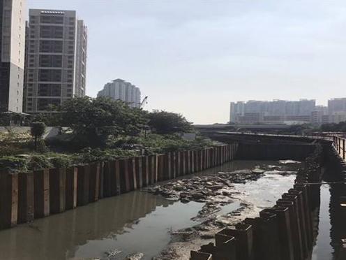 桥墩基坑钢板桩施工现场