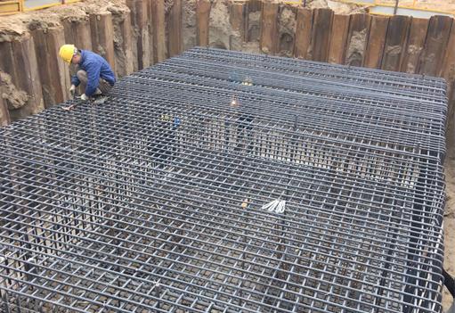 桥墩基坑钢板桩施工