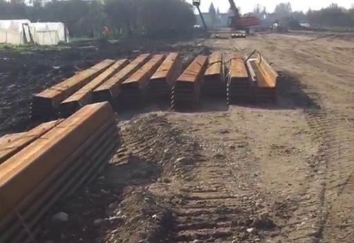 围堰钢板桩施工